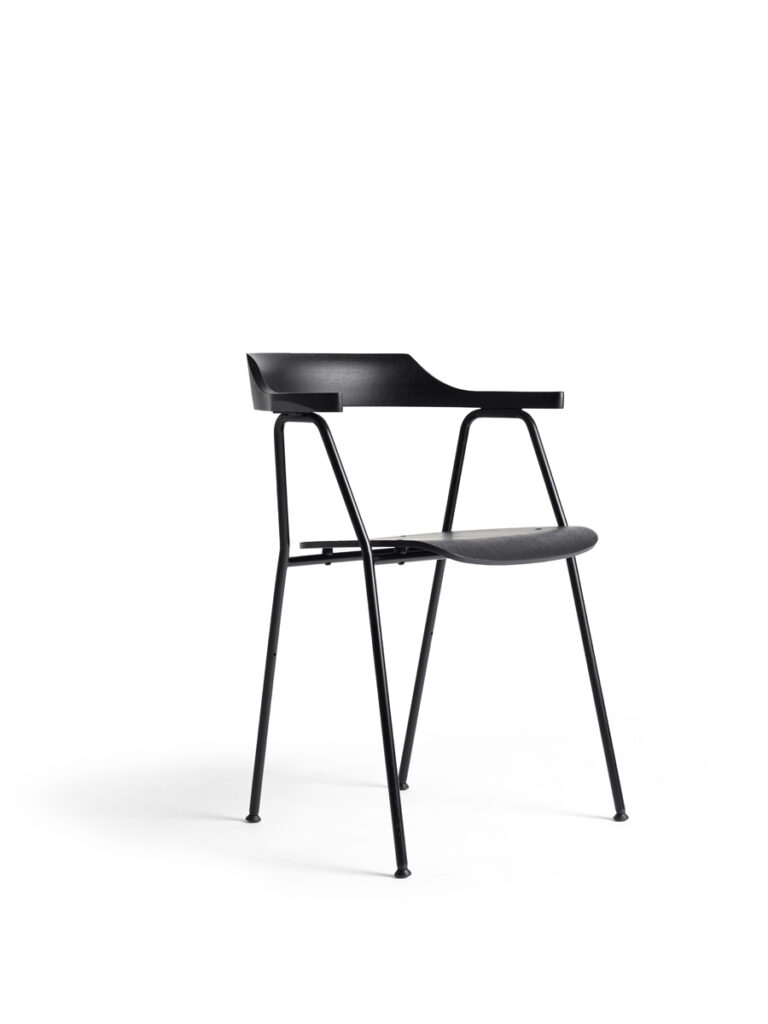 The 4455 chair is a true design icon by Niko Kralj.